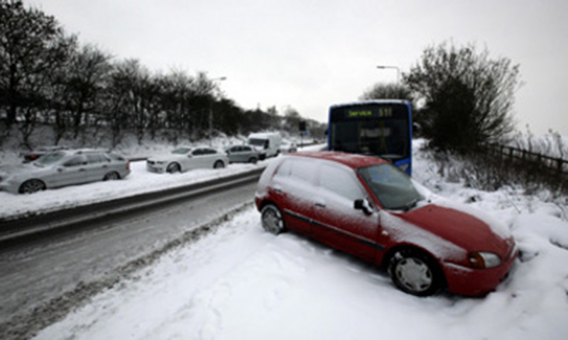 726370676-snow-ice-heavy-toll-uk-travel