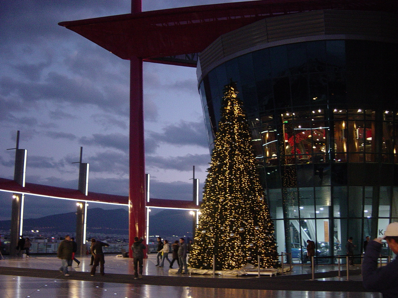 The_Mall_Athens_Christmas_Tree